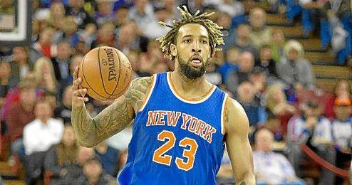 Derrick Wiliams, jugador de los Knicks, fue robado en su casa por dos chicas.
