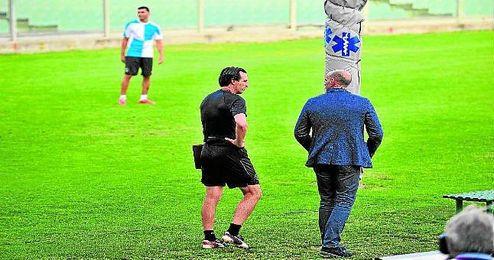 Emery, como cualquier entrenador, quiere contar con los fichajes invernales lo antes posible.