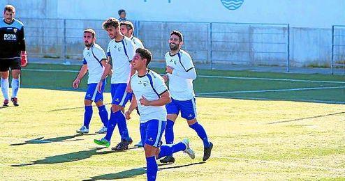 Martín celebra su gol ante la Roteña.
