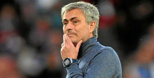 Mourinho recibe una inesperada oferta de trabajo.