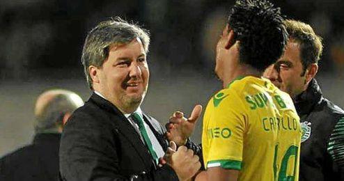 De Carvalho y Carrillo se saludan después de un partido del Sporting.