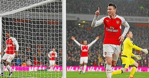 Koscielny hizo el gol del Arsenal ante el Newcastle.