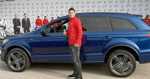 James Rodríguez conducía un Audi.