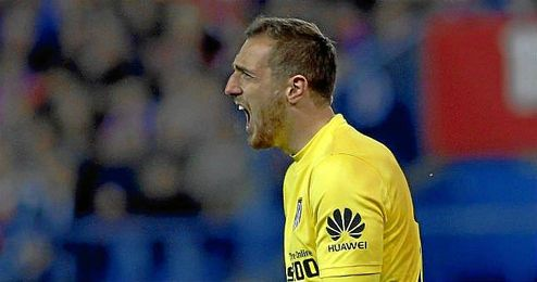 El joven portero, de apenas 22 años, se impuso al veterano Samir Handanovic, su rival en la selección, entre otros.