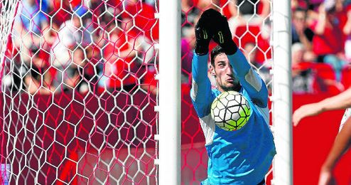 Entre Sergio Rico y David Soria han dejado la meta a cero en los últimos cinco encuentros.
