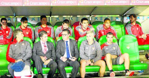 Jugadores como Escudero o N´Zonzi podría debutar hoy en un derbi.