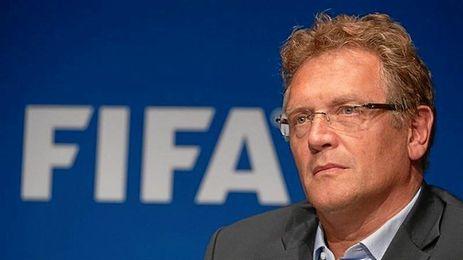 Valcke es castigado por la FIFA.