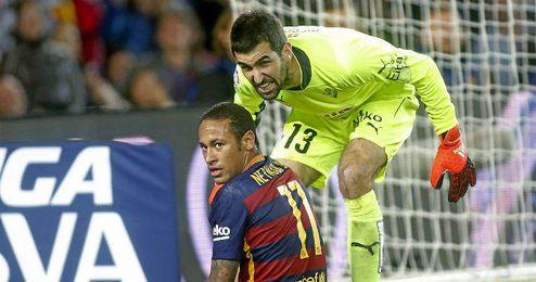 Riesgo recrimina una acción a Neymar en un partido de esta temporada