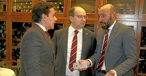 Monchi, junto a Castro y Del Nido.