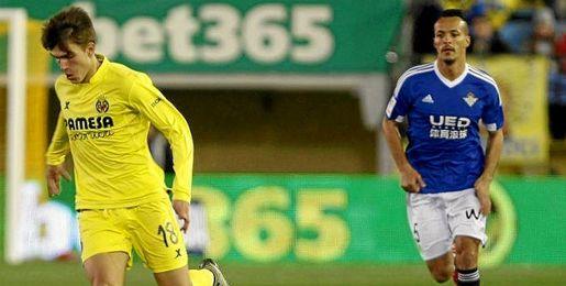 Imagen del Villarreal-Betis, con Kadir como titular.