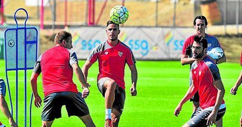 Luismi, en la imagen durante una sesi�n, s�lo ha jugado en Copa frente al Logro��s.
