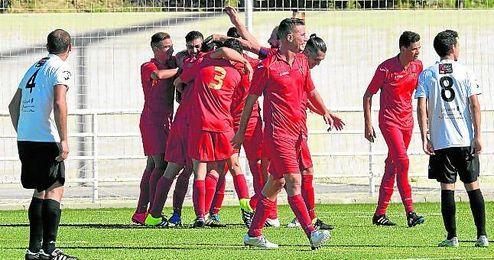 El Diablos Rojos celebra un gol en la presente temporada.