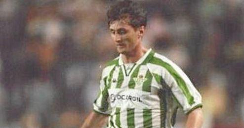En el Betis pas� 3 temporadas, jugando 98 partidos y convirtiendo 20 goles.