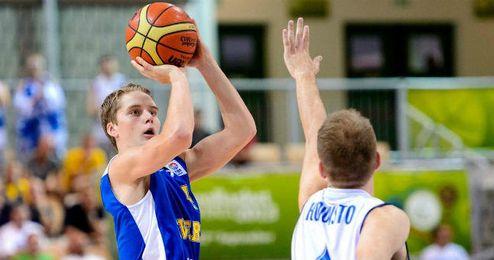 Ludde Hakanson es el jugador más joven en jugar un Eurobasket. Lo hizo en 2013