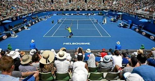 Imagen de un partido de tenis en la pista de Melbourne.