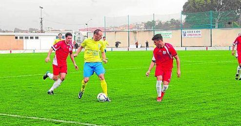En la imagen, el futbolista ribereño Chuli.