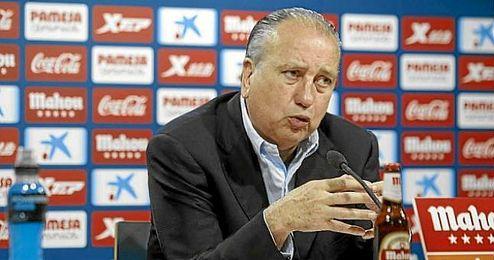 Fernando Roig, presidente del Villarreal, en una rueda de prensa en el Madrigal.