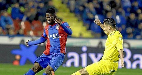Al futbolista le quedan s�lo ocho partidos para ser granota hasta junio de 2020 siempre que el Levante ejecute la opci�n de compra, de 900.000 euros.