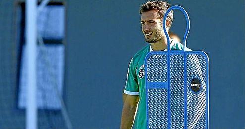 Germ�n Pezzella, en un entrenamiento del Real Betis.