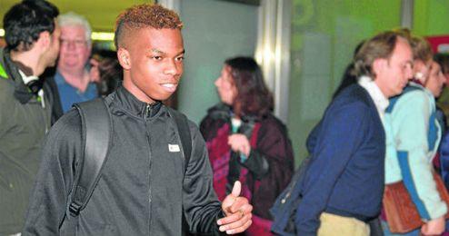 Musonda llegó ayer a Sevilla para firmar por el Betis.