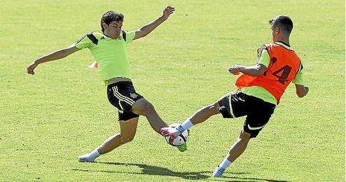 Jesús Vallejo en un entrenamiento con la selección.
