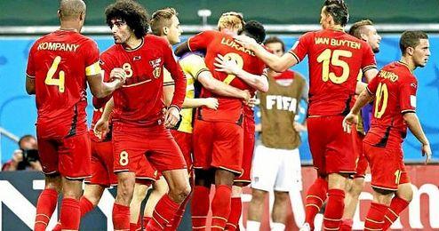 En la imagen, jugadores de la selección belga celebrando un gol.