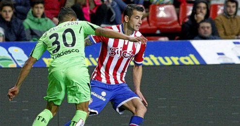 Luis Hernández, durante un Sporting-Getafe de Liga.