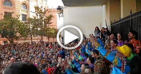 El Carnaval de C�diz sigue en la calle