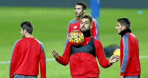 Llorente, en un entrenamiento con el Sevilla.