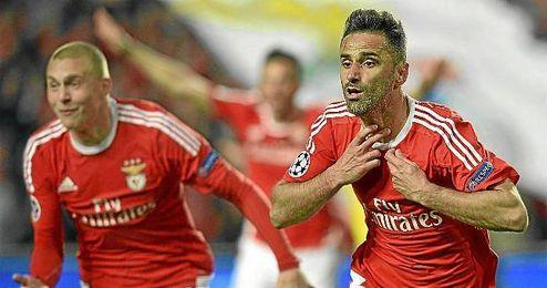 Jonas celebra un gol con el Benfica en la Champions.