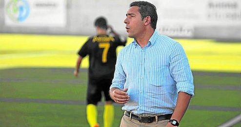 En la imagen, Juan Carlos G�mez, entrenador ecijano.