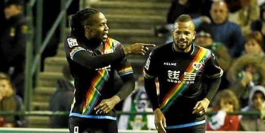 Manucho, celebrando un gol.