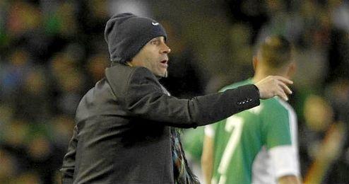 Paco J�mez durante el partido.