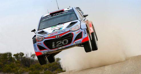 Dani Sordo ya est� en el podio en el Rally de M�xico