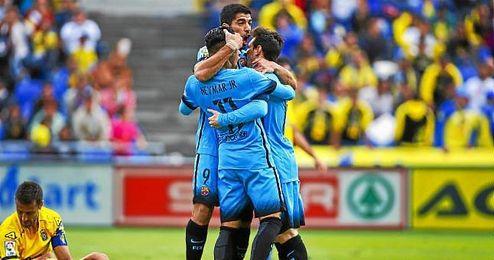 Messi, Suárez y Neymar celebran un gol ante Las Palmas.