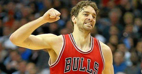 En la imagen, Pau Gasol vistiendo la camiseta de los Chicago Bulls.