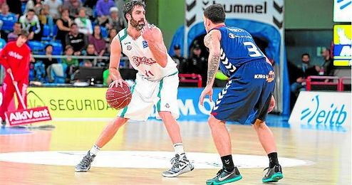 El capit�n del Baloncesto Sevilla, Berni Rodr�guez, durante el partido de la primera vuelta ante el Laboral Kutxa.