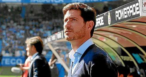 En la imagen, el entrenador del Deportivo Víctor Sánchez del Amo.