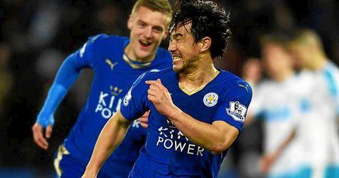 Okazaki celebra el único gol del partido.