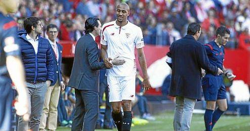 N´Zonzi abandona el campo lesionado ante el Villarreal.