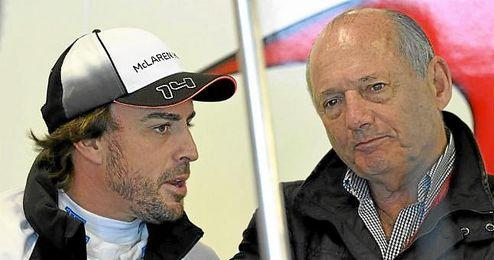 Alonso, junto a Ron Dennis en Melbourne.