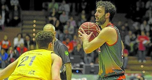 Como Berni Rodríguez en la imagen, el Baloncesto Sevilla lo tuvo ayer todo controlado.