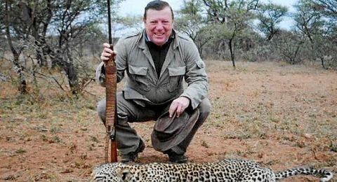 C�sar Cadaval, durante un safari.