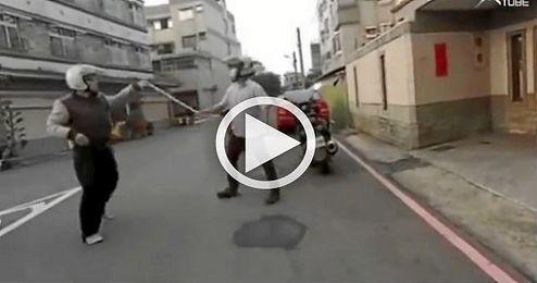 (VIDEO) Insólita reacción en una pelea en Taiwán