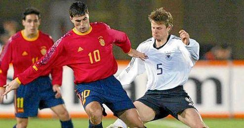 En la imagen, Diego Tristán vistiendo la camiseta de la Selección española.