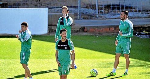 En la imagen, Xavi Torres, Portillo, Cejudo y Molinero durante un entrenamiento.
