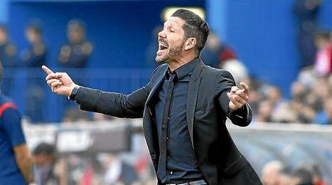Simeone, en la banda del Vicente Calderón.