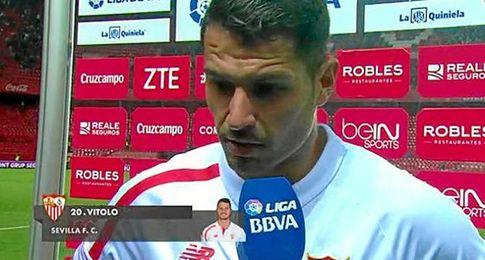 Vitolo, atendiendo a los medios.