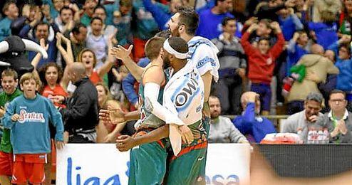 El balance de 5 victorias y 4 derrotas que ostenta el Baloncesto Sevilla significaría luchar por el Play Off.