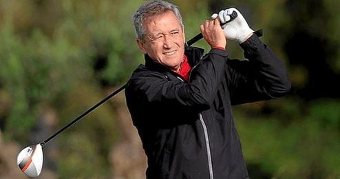 El ex jugador Manuel Pi�ero es el capit�n espa�ol.